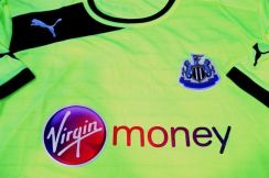 Jersey NEWCASTLE UNITED 12/13 Third SS [XL] NEW