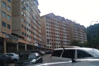 Pangsapuri Cemara 1,cheras Bukit Segar, Leisure Mall, selangor