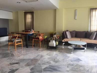 Danau Permai, Taman Desa near Mid Valley 2 become 1 bigger room