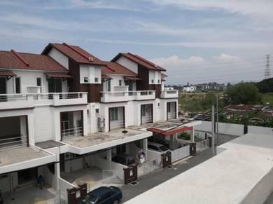 3 Storey Terrace House -Taman Villa Seri Setia