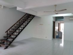 Rent ! Senawang Hot Area Double Storey Partially Furnished !