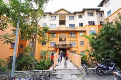Apartment Gemalai 760sqf 3R+2B Level 1 Bandar Puncak Alam for Sale
