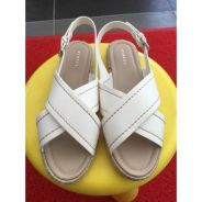 Vincci White Sandals