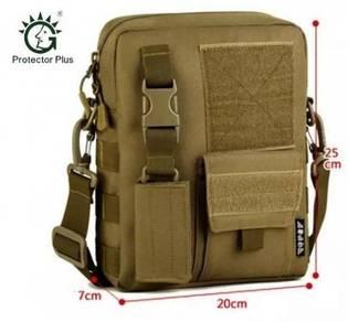 Men Camo Waterproof Vertical Messenger Bag