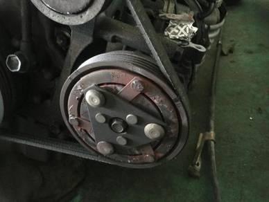 Suzuki Swift Sports ZC31 Aircond compressor