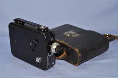 Antique kodak usa brownie 8mm movie camera
