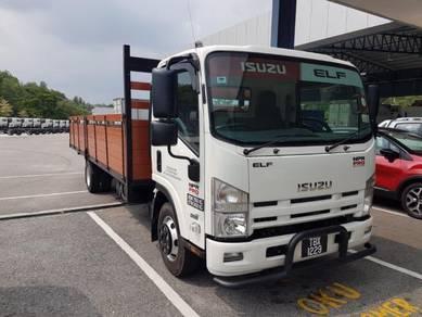 All new isuzu truck