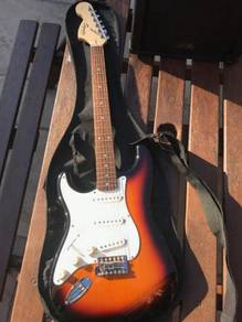 Squier Affinity Strat Left Hand Brown Sunburst,