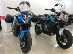 Ktns cf650mt (touring bike with box) mustview