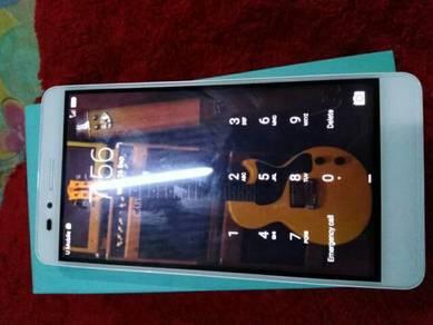 Huawei honor 5x (silver colour)