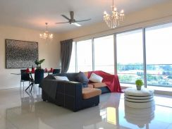 Central Park (Worth Buy ) Middle Floor - 3 CarPark - Renovated