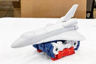 Transformers MMC R-36 Inventa (not Sky Lynx)