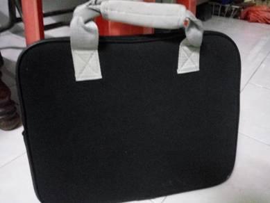 Mini laptop beg