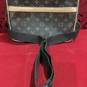 Sling Bag Louis Vuitton