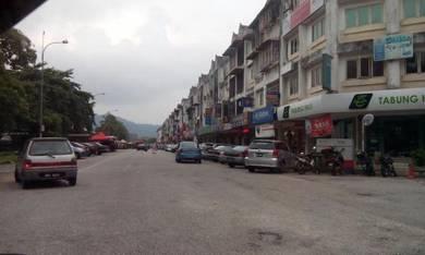 Ampang bdr baru opt hong leong tabong haji bank same row 1st flr