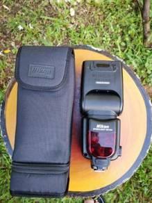 Nikon speed light SB-900