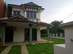 Double Storey Corner Lot Saujana Below market value