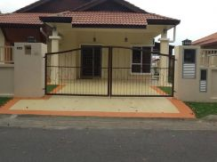 Single Storey Semi-Detached House FOR RENT in Acacia, Seremban 2