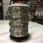 Vintage chinese porcelain food container