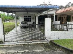 Taman seroja single storey semi corner house
