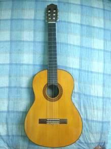 Guitar yamaha classical