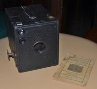 Antique kodak brownie no.3 model b camera