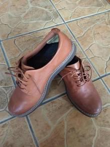 Kasut Kulit / Leather Shoes