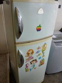 SANYO 2 Door Refrigerator - terpakai