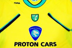 Jersey NORWICH CITY 05/06 Home SS [L fits XL] USED