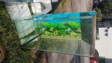 Fish Tank with Hole at corner