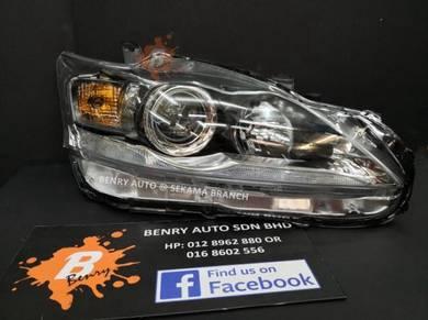 Lexus CT200h 2011-2017 OEM Projector Headlamp Set