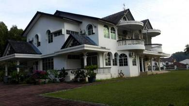 Senawang 2 Storey Bungalow with huge land for sale!
