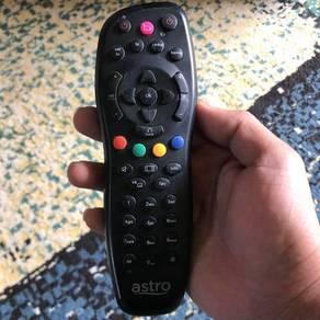 Remote asto still in good condition
