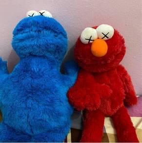 Kaws Seasame Street Uniqlo Elmo & Monster Cookie