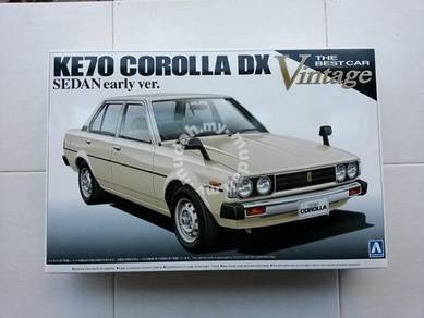 1-24 Toyota KE70 Corolla Sedan DX Early Product