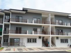 For rent town house bandar ainsdale (2min to labu highway)