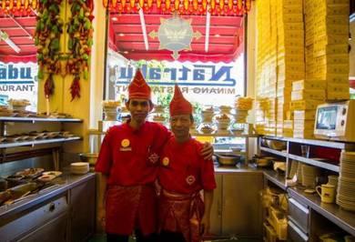 Waiter / waitress