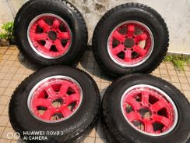 4X4 Sport Rim with tyre