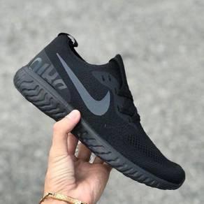 Nike epic react all black