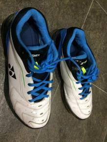 Yonex sport shoes