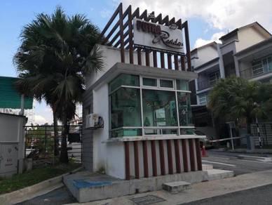 Seri Kembangan Equine Park, Putra Residence House opposite Aeon