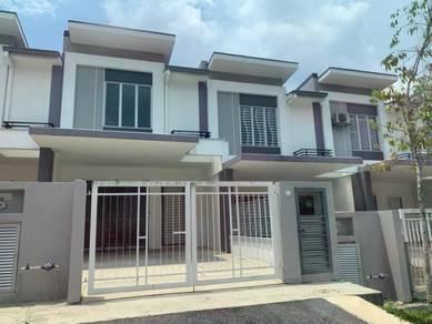 {{facing empty}} 2 sty house, garden height, acacia park, rawang
