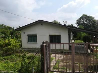 Off jalan rasah, single story bungalow house ( land size : 5877sqft )