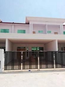 Double storey terrace Intermediate, luakbay Miri