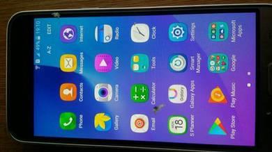 Samsung j3 baru pakai 2 minggu.
