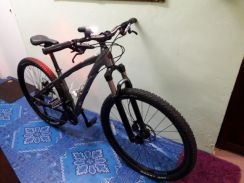 Mountain bike.jenama polygon kesayangan.
