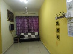 Homestay + apartment cybercity