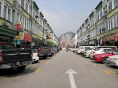 RENOVATED Apartment Central Point Batu Caves 624sf Freehold nr Gombak