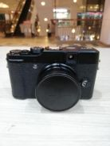 Fujifilm x10 digital camera (99% new)