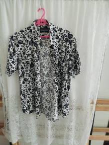 Men's short-sleeve floral collar shirt. size XL.